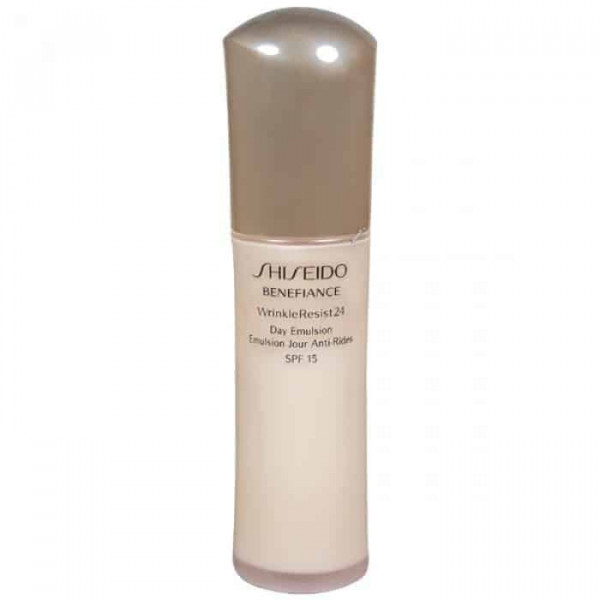 Shiseido Benefiance WrinkleResist24 Day Emulsion SPF15 Антивозрастная увлажняющая дневная эмульсия
